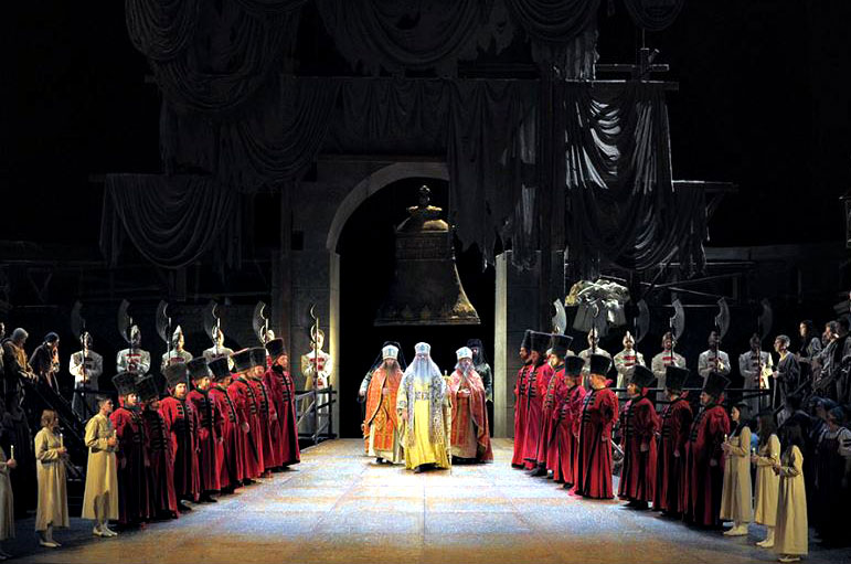 Scene uit opera 'Boris Godoenov' © Mariinsky Theatre