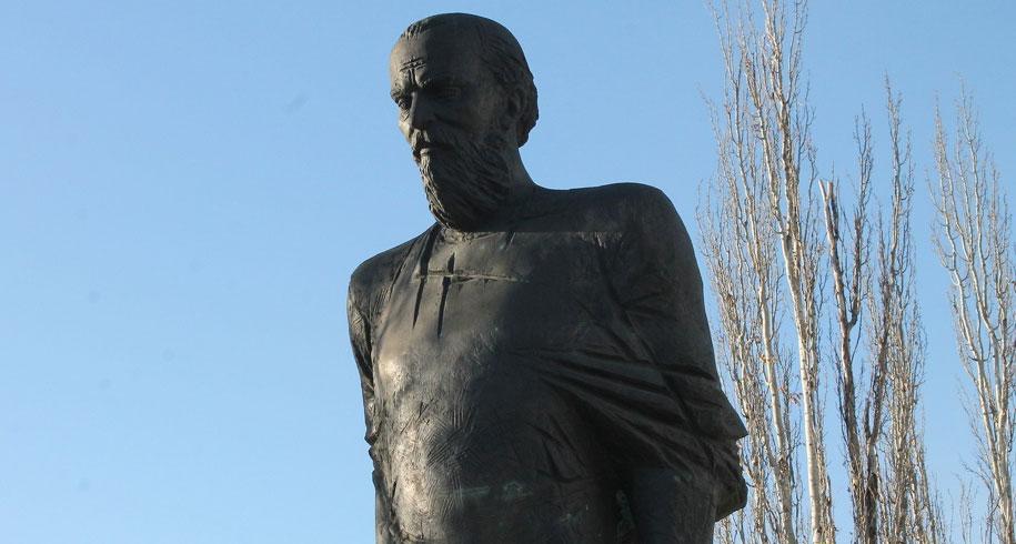 Een standbeeld van Fjodor Dostojevski in Omsk © Kristina Abramjan, www.om1.ru