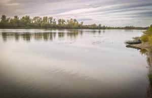 De rivier Tsjoelym