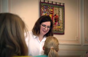 Daria Tikhonova, organisator van het Totaal dictee in België