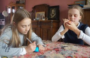 Artistieke liefdadigheidsactie van de Russische school in Brugge