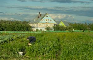 Vrijwilligster in het Krypetsky klooster